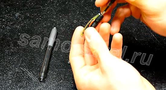 Как сделать самострел из ручки - Разберите механизм выдвижения стержня