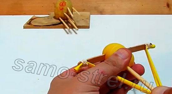 Делаем мини арбалет (how to make mini crossbow) - Мини арбалет ГОТОВ!