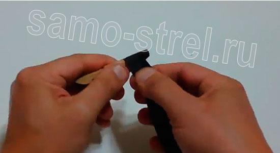 Как сделать рогатку из прищепки - Скрепите прищепку изолентой