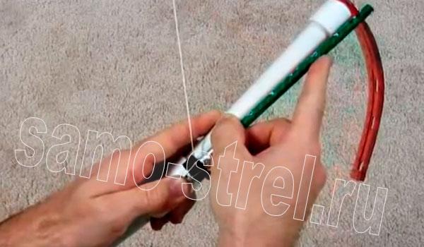 Арбалет из ПВХ трубы - Сделайте насечки на стрелах