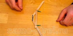 Мини лук из деревянных шпателей