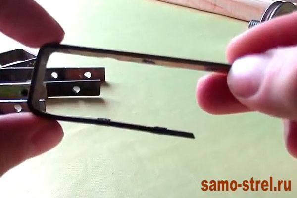 """Как сделать блочный лук - Колесики нужно закрепить """"П"""" образными скобами (how to make the compound bow )"""