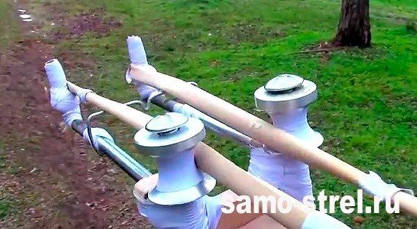 Рогатка для стрел - Привяжите жгут к шпилькам