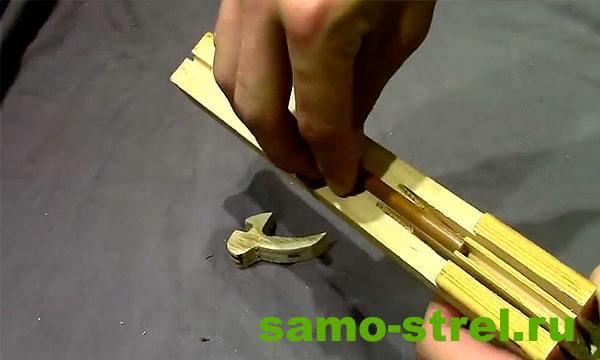 Как сделать арбалет пистолетного типа - Центральный пропил на стволе арбалета